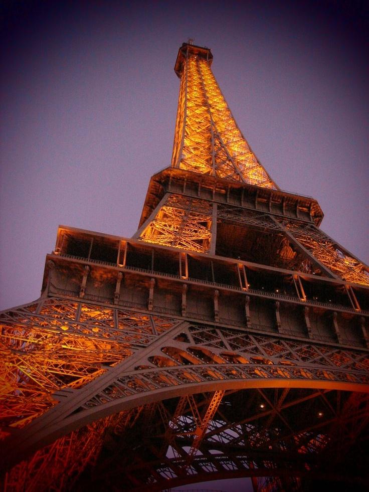 the Eiffel Tower エッフェル塔