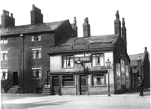Bolton: Town Hall Tavern Victoria Square c1900 | These build… | Flickr