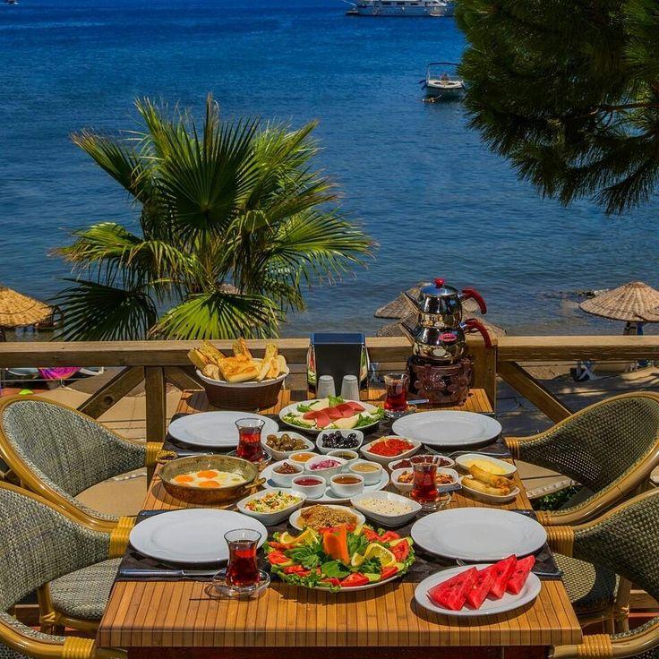 Serpme Kahvaltı - Deniz Kapısı / Muğla ( Marmaris-İçmeler ) Telefon : 0 252 455 3905  Fotoğraftaki görsel 4 kişiliktir.