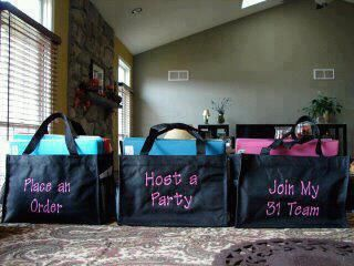 Super awesome idea for thirty one consultants! I just may have to do this for September specials :)