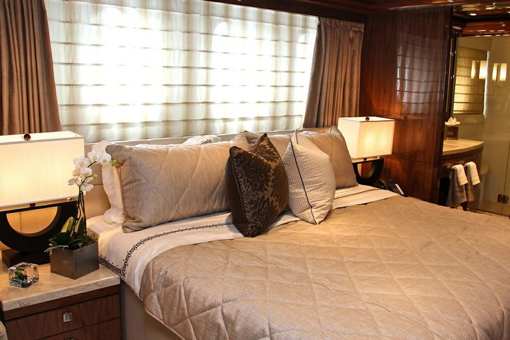 Here is your VIP cabin onboard Gigi II. The luxury you expect from the best hotels.