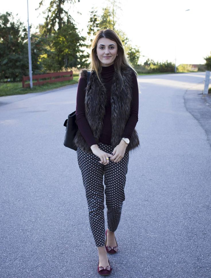 #ootd #outfit #fallstyle #fallfashion #fauxfur #officewear #teacherstyle #pattern #fashion #style