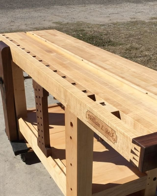 Added detail on this workbench's gap stop for easier use! Thanks to a tip from a YouTube comment on a video featuring a Roubo bench I built a while back. Please excuse the noisy animal in the background! I'm getting ready to ship this bench to a customer. You can also buy the plans to build this workbench from @benchcrafted . #rouboworkbench #benchcrafted #woodworking #marquetry #keepcraftalive #customworkbench #customwoodwork #handmade #craftsman #rouboworkbench #workbench #splittoproubo…