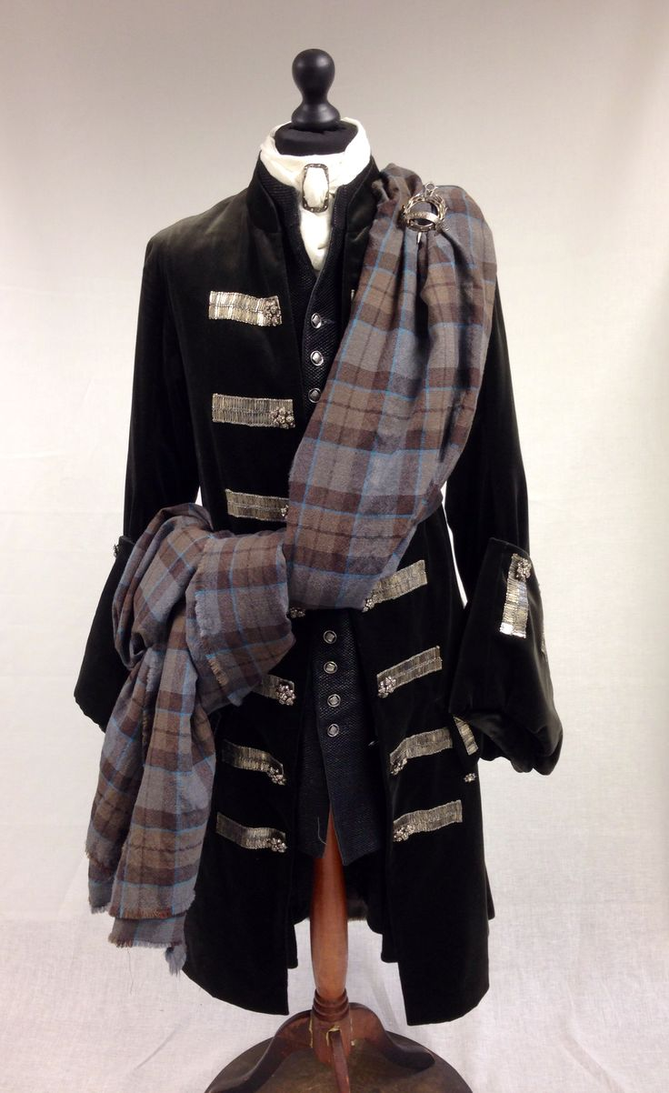 Dougal MacKenzie's Gathering Kilt   Outlander S1E4 'The Gathering' on Starz   Costume Designer TERRY DRESBACH   www.terrydresbach.com