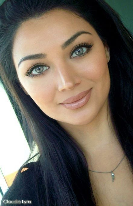 Natural look: foundation, blush, mascara, filled in brow