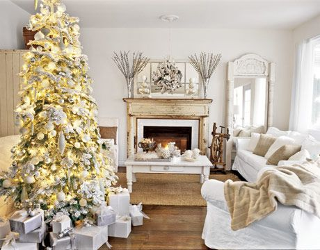 : Christmasdecor, Living Rooms, Decor Ideas, White Christmas, Holidays, Christmas Decor, Gold Christmas, Christmas Trees, Whitechristma