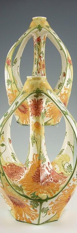 Rozenburg, Den Haag, Sam Schellink, 1913 | An extremely rare pair of deggshell porcelain vases
