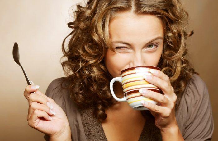 Кофе – любимый напиток миллионов людей во всём мире. Люди пьют кофе примерно с XV века. По легенде козопас Калди обнаружил кофе, когда заметил, что его козы становятся куда более энергичными, после того, как едят ягоды кофейного дерева.