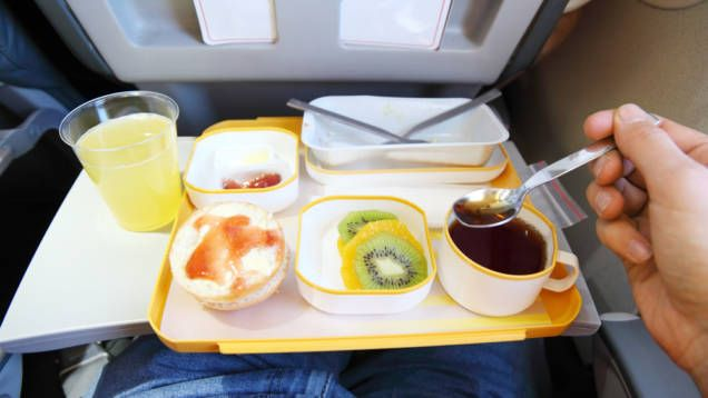 får man ta med mat på flyget