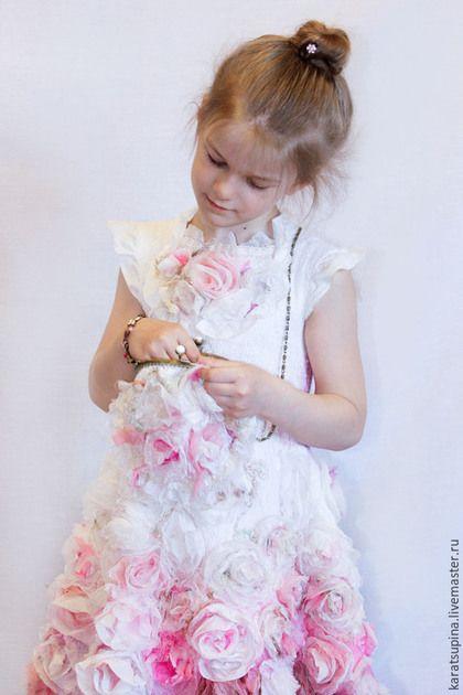 """Одежда для девочек, ручной работы. Валяное платье для девочки """"Розовый винтаж"""". NatalyKarA (Наталья). Интернет-магазин Ярмарка Мастеров."""