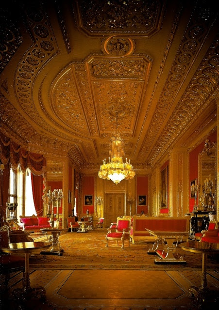 Windsor Castle,,England, United Kingdom:  ceiling detail like this needs to make a comeback! gorgeous!
