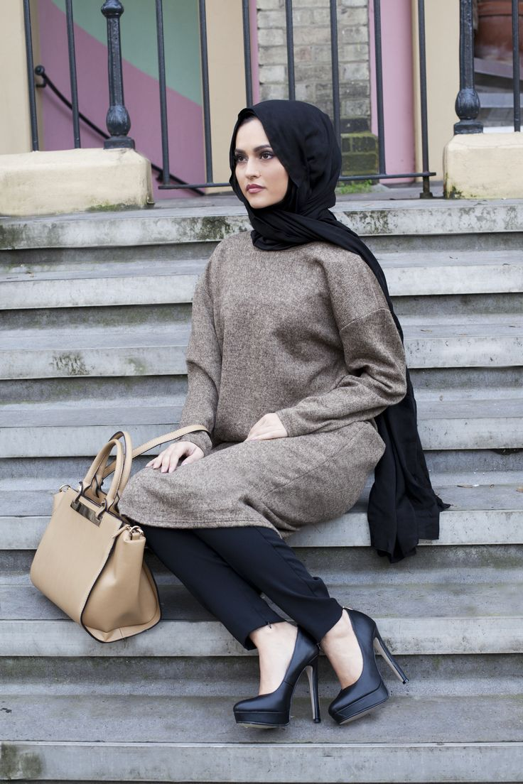Long Olive Oversized Jumper + Black Jersey Hijab | INAYAH www.inayahcollection.com