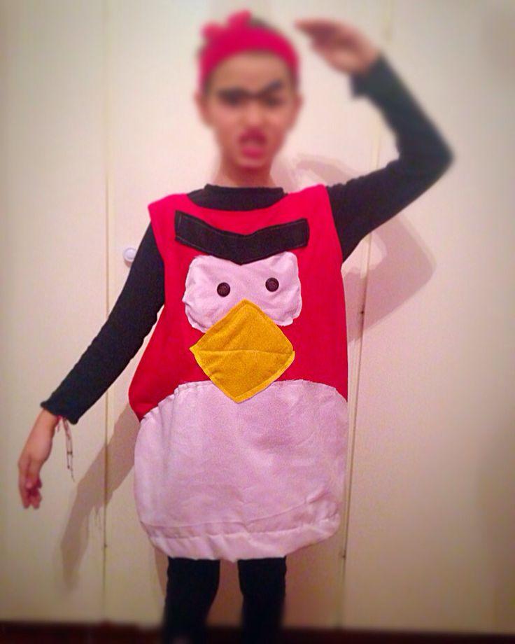 A very angry bird!!!!! Haloween costume!!!!!!!⚡️