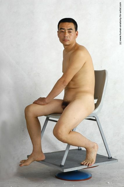 PHOTO OF NUDE MAN ASIAN SITTING POSES - SIMPLE SLIM SHORT BLACK SITTING POSES - ALL