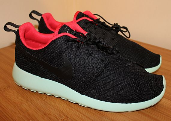 Nike Roshe Run iD Yeezy 2 Editions