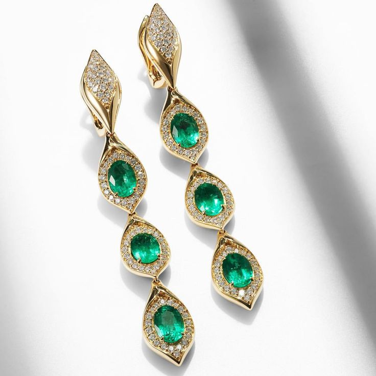 KAT FLORENCE. Six carats of Emerald and two carats of diamond equals beautiful, hand crafted perfection!