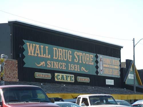 Wall Drug Store, South Dakota: Spots Tourist Attraction, Vacations Spots Tourist, Drugs Stores, Wall Drugs, Roadside Tourist, American Roads, Large Roadside, Roads Trips, Wall South Dakota