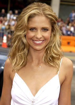 Sarah Michelle Gellar.....Buffy the vampire slayer♡
