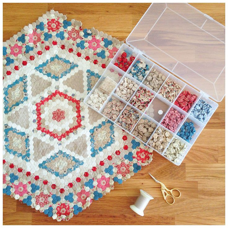 Best 25+ Miniature quilts ideas on Pinterest Mini quilts, Mini quilt patterns and Quilted wall ...