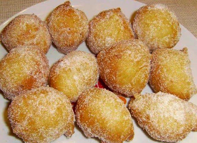 Frittelle, castagne e vino: San Martino  in Sicilia  ha questo sapore.   Vi proponiamo oggi la ricetta per realizzare le classiche f...
