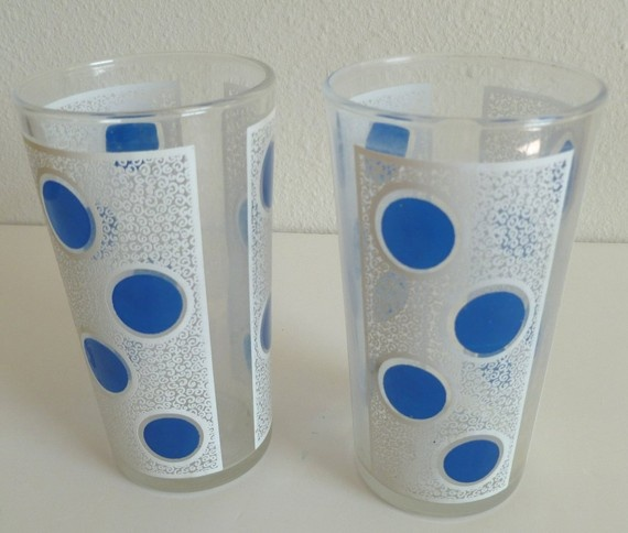 I just bought a set of 4 of these vintage drinking glasses. Mine are white lace detail with yellow dots. I absolutely love them, and only paid $2 each at a thrift shop! I'm strongly considering purchasing these two to go with them!: Yellow Dots, Dining Areas, Vintage Glasses, Lace Detail, Considering Purchasing, Kitchen Ideas, Blue Polka Dots
