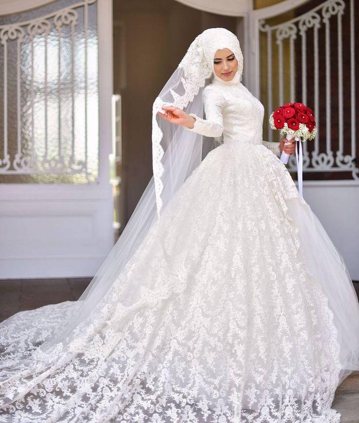 "4,197 Likes, 85 Comments - Gülsüm Türbantasarım, hijab (@gulsum.turban.hijabdesign) on Instagram: ""Güzel gelinimiz😍 @asli_f_atih Foto @__fnphotography Türban @gulsum.turban.hijabdesign Dress…"""
