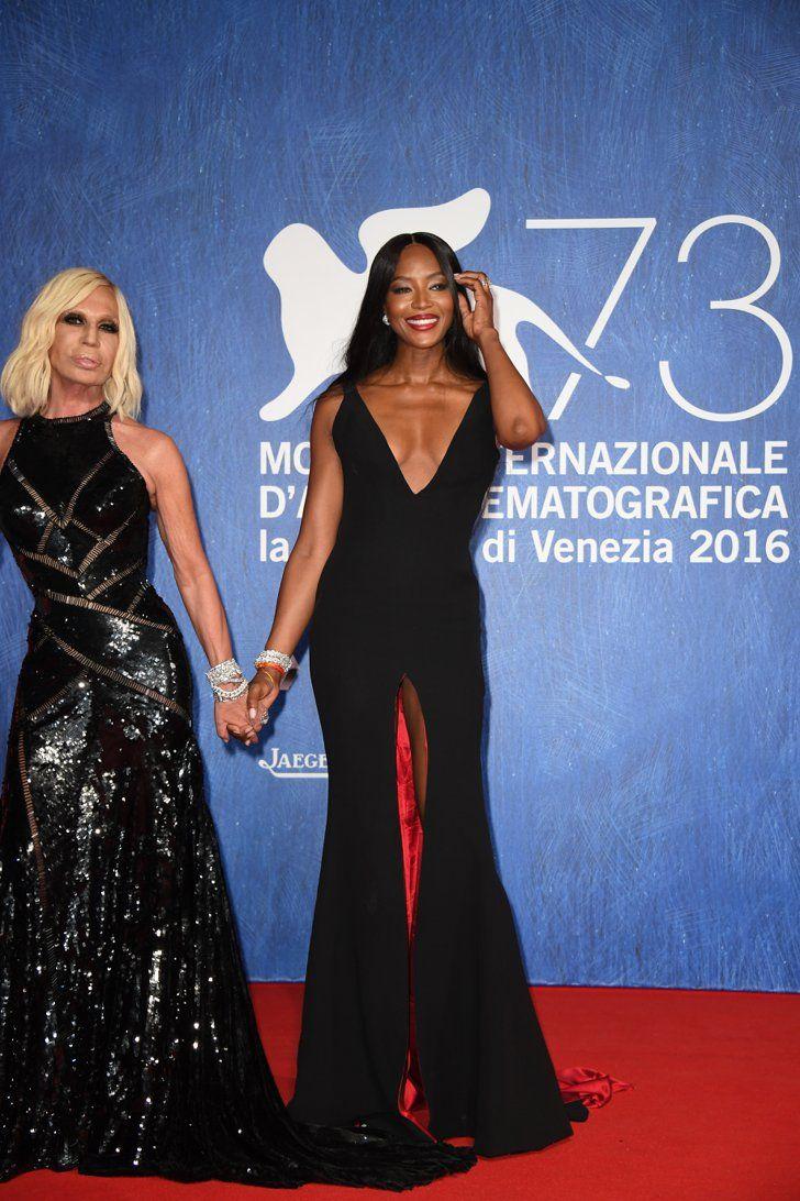 Ciao, Venezia! Découvrez Tous les Looks du 73ème Festival du Film de Venise Donatella Versace et Naomi Campbell