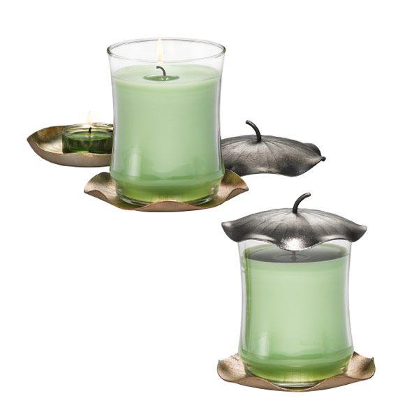 ESCENTIAL DUFTWACHSGLAS-HALTER™ LOTUS P92108  Details: Metall mit variierendem Metallic-Dekor. 3-teilig: Aufsatz und zwei verschiedene Kerzenschalen, aufeinander oder einzeln dekorierbar. Ø 11 cm. Kerzenformen: Pillar-Kerzen, Escential Duftwachsgläser, Teelichter.  METALLMIX AUS BLÜTEN Mit unserer neuen Kollektion Lotus beweisen Sie Gespür für Trends. Skulpturale Designs in schimmerndem silber-, gold- und kupferfarbenem Metall sind in! Bambusbrise unterstreicht den zeitgemässen Look.