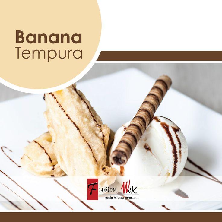 Bananos tempurados calientes con la perfecta combinación de helado de vainilla y salsa de chocolate. #postresfusion #chocolate #fusionwok #calico #colombia #bogota #sweet #postres