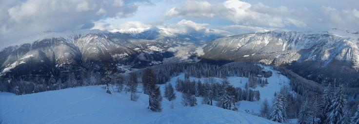 #Folgarida e il #MalghetAut sono bianchi dopo la nevicata, il #SassoRosso con la #neve è sempre uno spettacolo per la #ValdiSole.