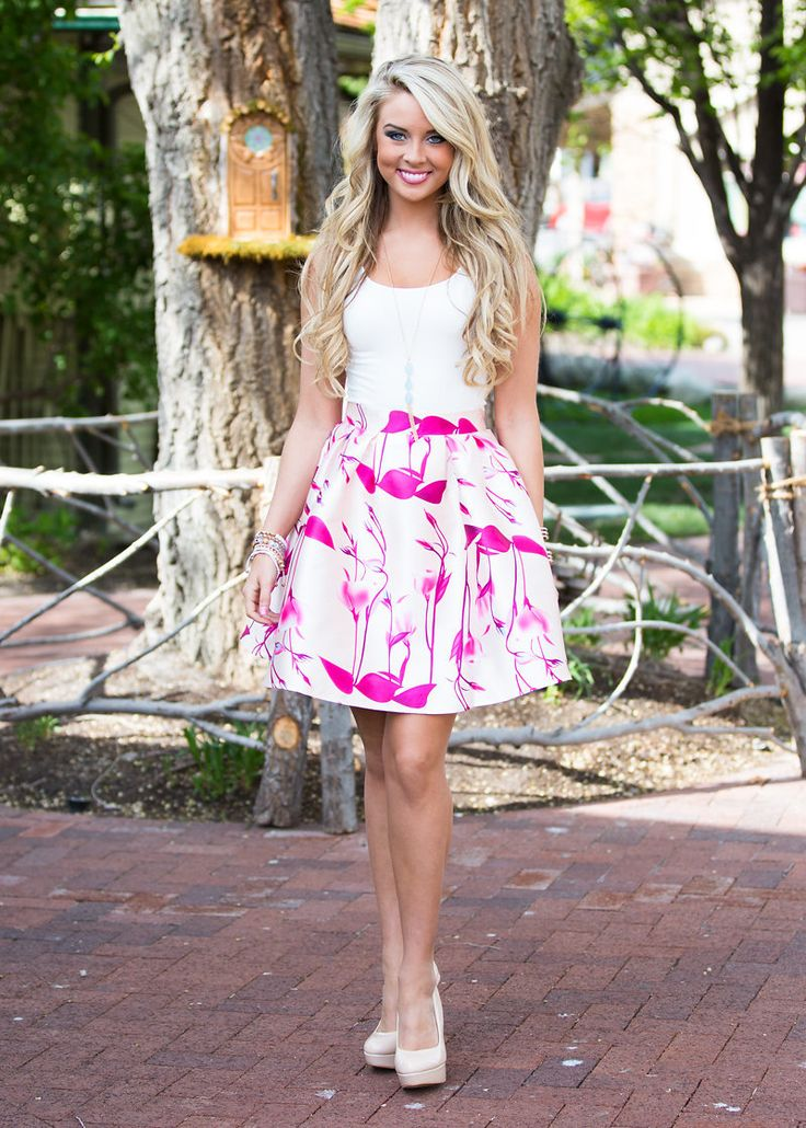 Fashion Frenzy Skirt Cream/Pink CLEARANCE - Modern Vintage Boutique