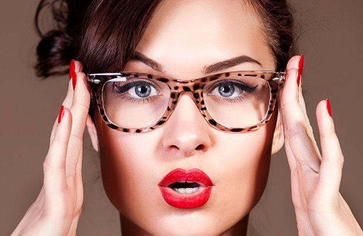 Schminktipps für Brillenträger - Brillen Trends & Themen
