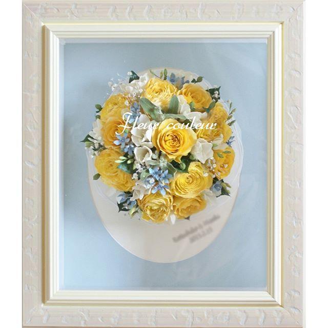 ラナンキュラス、フリージア・・・春のお花のブーケ。。サムシングブルーを添えて♡黄色のラウンドブーケ保存加工 #ブーケ保存 #ブーケ加工 #アフターブーケ #ウェディング #結婚式 #結婚準備 #結婚式準備 #プレ花嫁 #フルールクルール #結婚式の思い出 #先輩花嫁 #キャスケードブーケ #卒花嫁