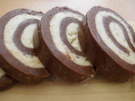 Rulada de biscuiti cu nuca de cocos - imagine 1 mare