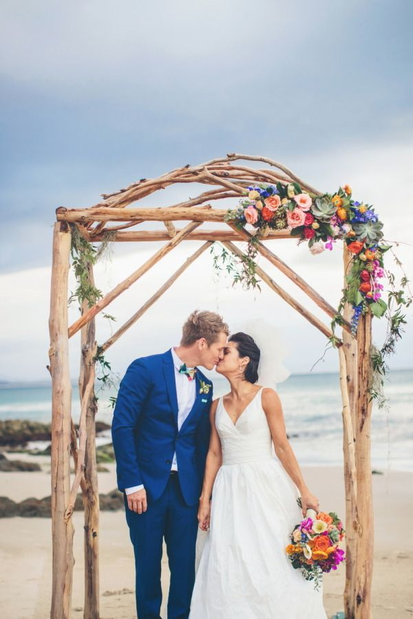 Beautiful and beachy: http://www.stylemepretty.com/australia-weddings/new-south-wales-au/byron-bay/2015/08/14/elegant-colorful-beach-wedding/ | Photography: Ivy Road - http://ivyroadphotography.com.au/