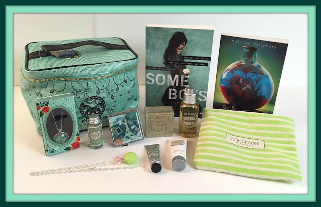 Suze likes, loves, finds and dreams: Giveaway: Green Books & Beauty