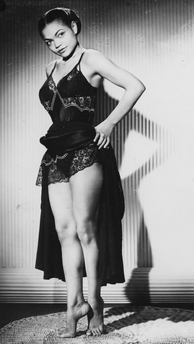 The absolutely wonderful Eartha Kitt. | 29 Old School Black Actors Who Were Absolute Stunners