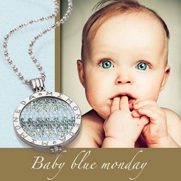 Baby nuke colors with the Ritmo Ice Blue coin!! #mimoneda #iceblue #ritmocollection #jewelrythatmatcheseveryoutfit