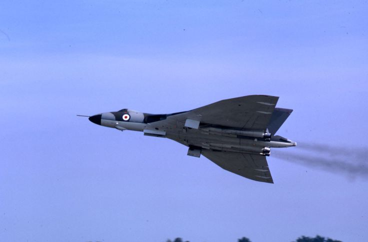 Avro Vulcan B.2, XL390, Biggin Hill, Sep 1970