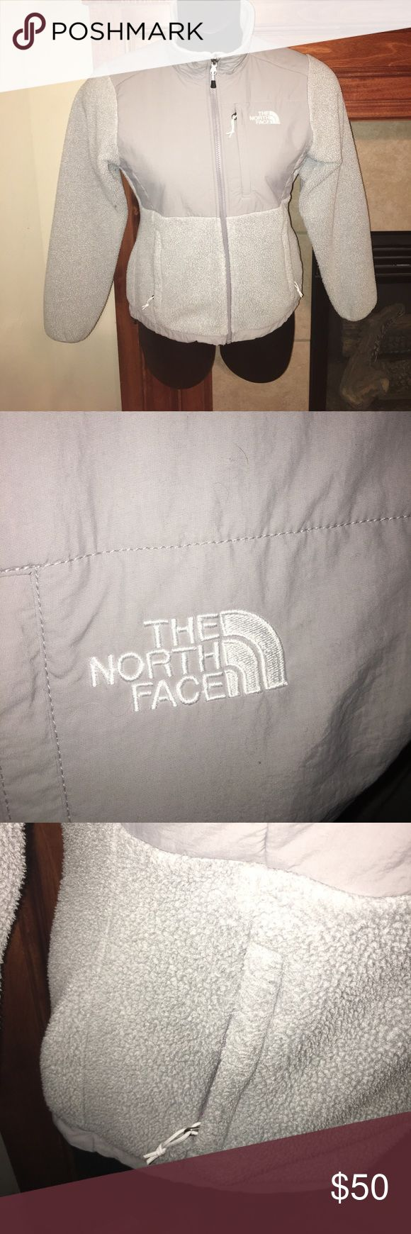 🆕 Listing Ladies NORTHFACE Jacket Gently used jacket. No stains or rips. Very warm jacket. The North Face Jackets & Coats