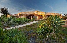 Real-Life Flintstones House in Malibu for sale (3,5 Mio $, 14 Pictures) > Baukunst, Design und so, Fashion / Lifestyle > flintstones, house, malibu, real estate, sale