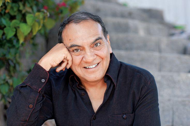 Don Miguel Ruiz mexikói tolték sámán, a Sas Lovagok leszármazottja, arra hivatott, hogy megossza velünk ősei bölcsességét. Könyve, A négy egyezség, világsiker. Évekig jegyezték a The New York Times bestseller listáján.