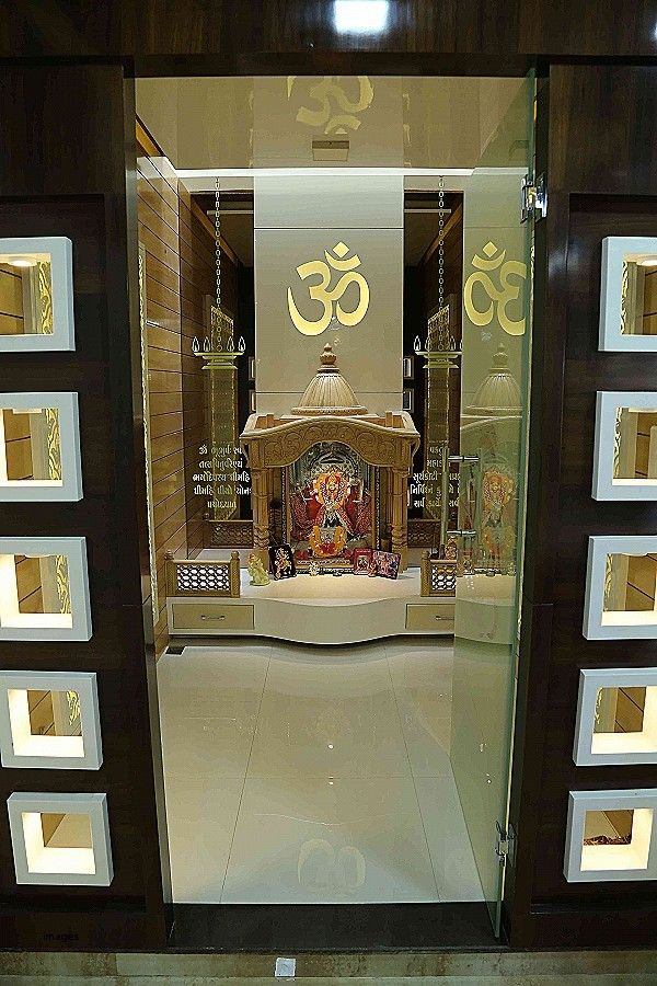 9 Traditional Pooja Room Door Designs In 2020: Pin By Srikabilan Interior Decor On Sri Kabilan Interiors