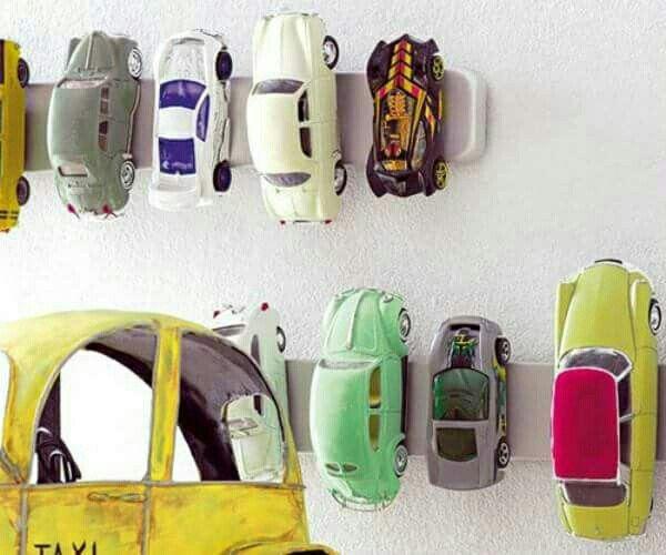 Biler på knive magnet. Smart