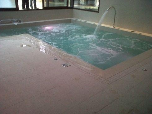 17 migliori idee su piscine piccole su pinterest piscina per bambini casa di cortile e - Piccole piscine in casa ...