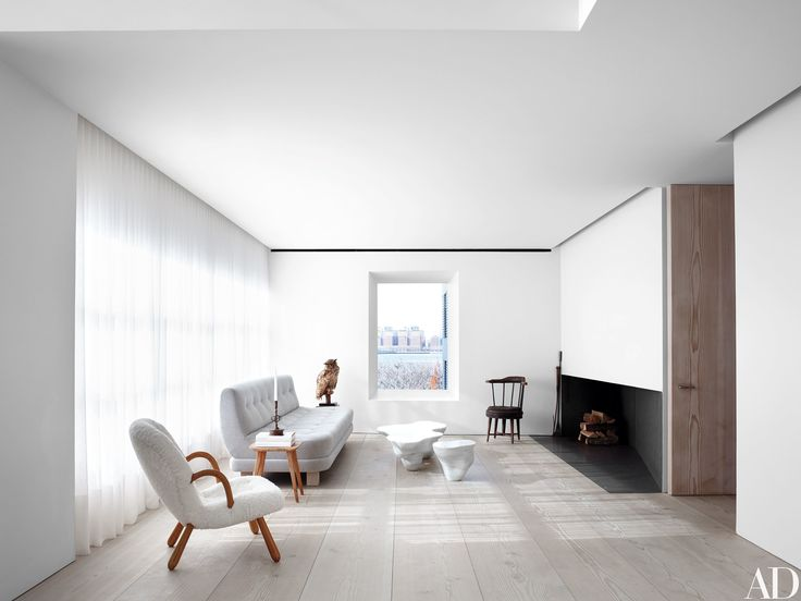 Architect John Pawson's seductive Manhattan duplex for antiques dealer Jill Dienst is all about the poetry of sun and shadow