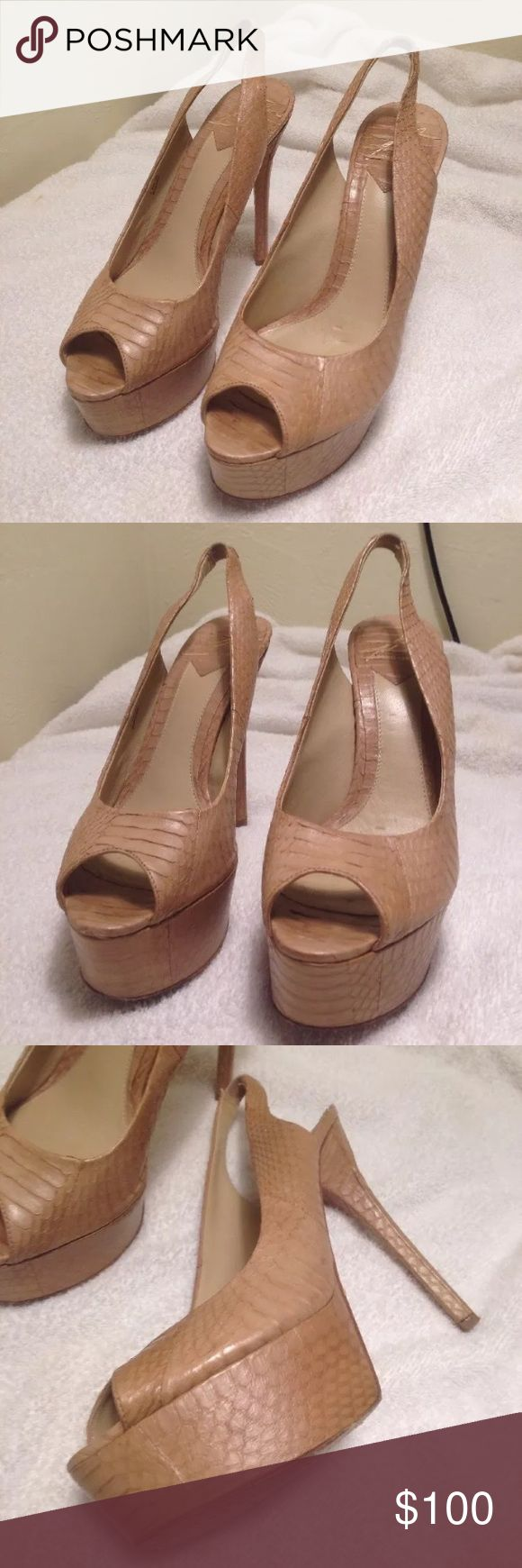 Brian Atwood Platform Pumps size 38 Beige Snake Brian Atwood Platform Pumps size 38 Beige Snake skin print made in Italy Brian Atwood Shoes Heels