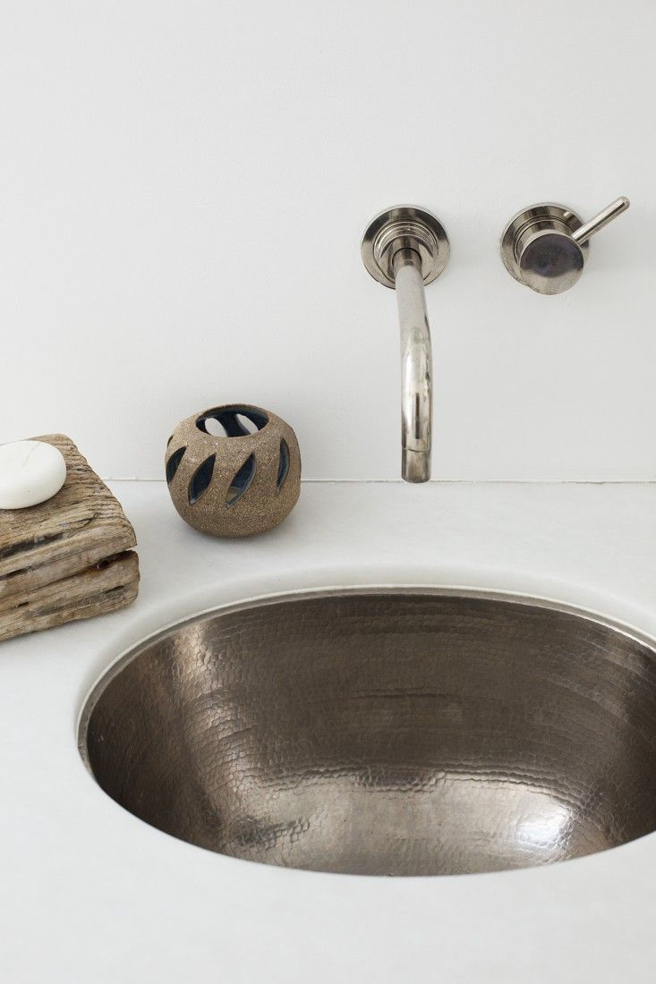 something about this oval, hammered brushed nickel sink. (Murnane sink in Los Angeles) | Remodelista