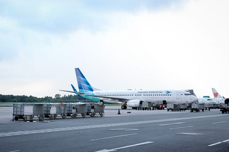 HiResStock » Premium and Free Hires Stock Photos for DesignerFree Hires Things: Garuda Indonesia airplane » HiResStock