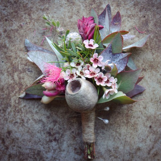 groom's boutonniere Swallows Nest Farm early autumn bush wedding